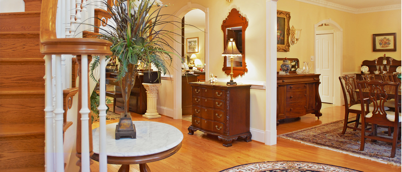 grand foyer with professional builder craftmanship